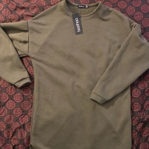 High low green sweater. New